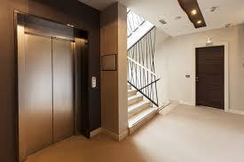 Las comunidades de propietarios de Madrid han invertido 31 millones de euros en instalar ascensores