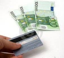 Financiarte con una tarjeta de crédito, 3 veces más caro que con un préstamo