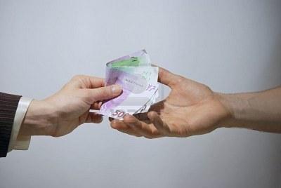 El Gobierno limitará el pago en efectivo a 1.000€
