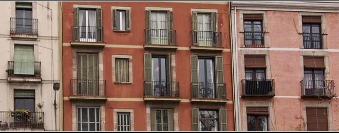 Barcelona vuelve a ser la ciudad más cara para alquilar y Alicante la capital con los precios mínimos más asequibles