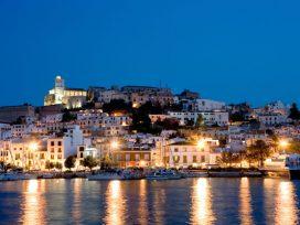 La vivienda se encarece más en las comunidades turísticas