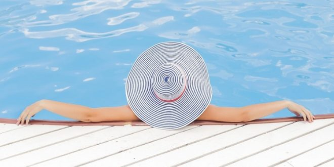 Clases de defectos y vicios en la construcción de las piscinas. Plazos de prescripción