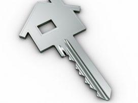 Una hipoteca media cuesta unos 545 euros más el primer año solo por el interés inicial