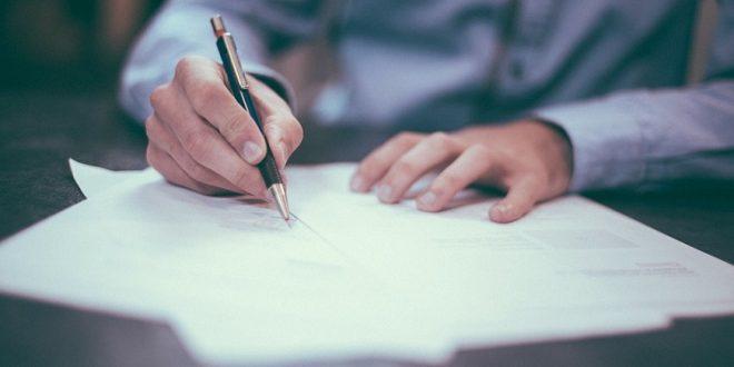 Incluir cláusulas no pactadas en un préstamo conlleva un grave perjuicio del consumidor