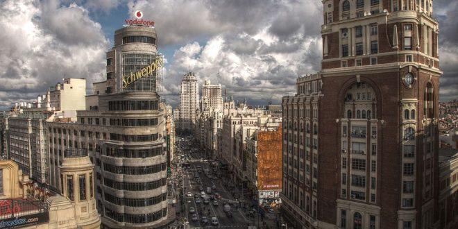 Sol en Madrid y Esquerra de L'Eixample en Barcelona, los barrios más demandados para vivir en 2018