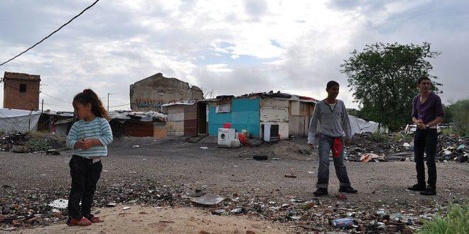 El Defensor del Pueblo plantea a las Comunidades Autónomas las opciones de procedimientos de desalojo y realojo