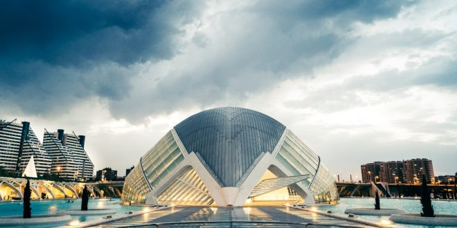 Los precios de la vivienda se ajustarán hasta un 7% en Valencia, un 6% en Sevilla y un 3,5% en Bilbao hasta final de año