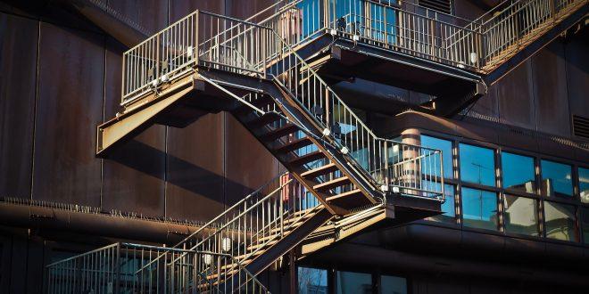 Sólo un 2% de los edificios construidos después de 2011 son universalmente accesibles