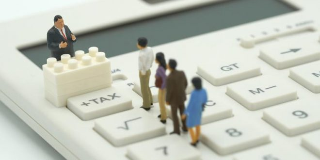 Las administraciones públicas se digitalizan para agilizar los trámites obligatorios a los que se tienen que enfrentar los no-residentes