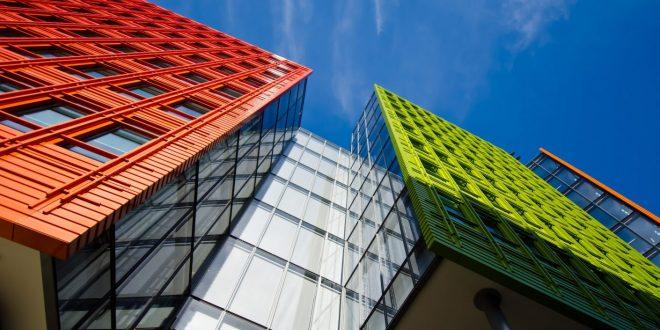 Compraventa de bien inmueble: incumplimiento contractual y reclamación de indemnización de daños y perjuicios